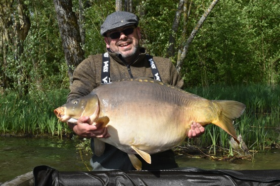 Spawning and some great carp. – Le Moulin du Mée Weblog (www ...